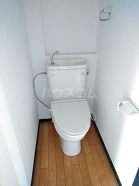 大西マンション 302号室のトイレ