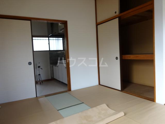 楓荘 201号室のベッドルーム
