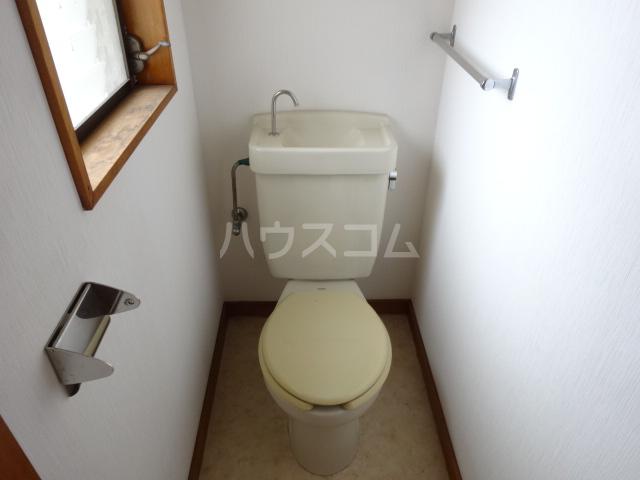 楓荘 201号室のトイレ