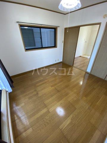 サマックス青島 203号室のベッドルーム