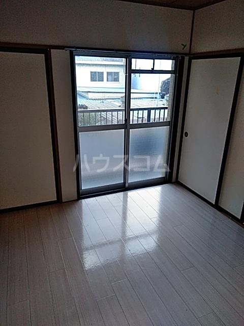 コーポラスシャロー 207号室の居室