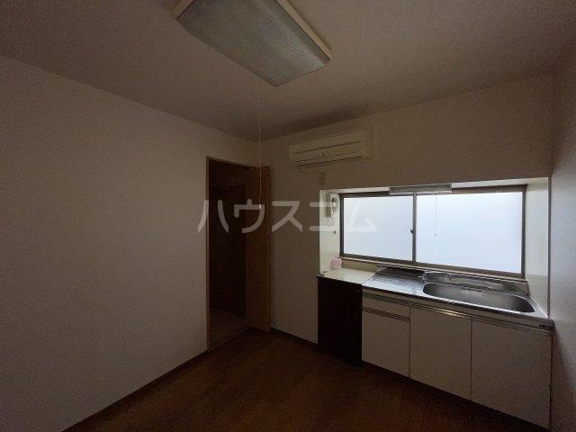 岡本荘 7号室の居室
