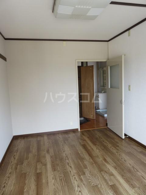 登呂コープタウン 10号棟 301号室の居室