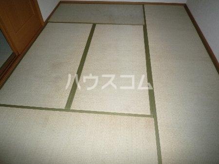 ハイツ山田 101号室のリビング