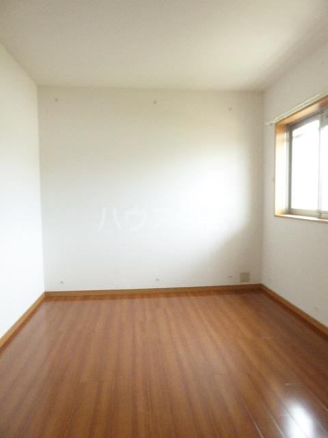 アイリス 203号室の居室