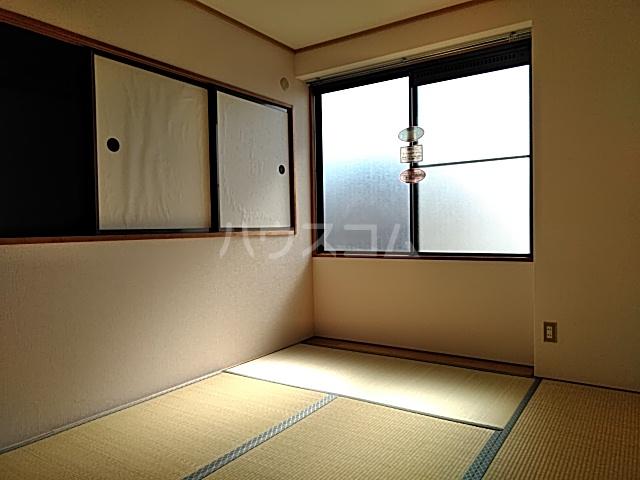 タウンコートダイキ 302号室の居室