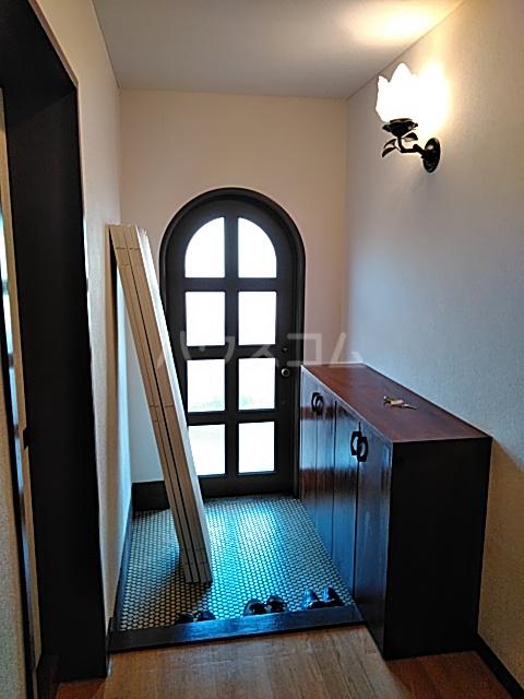 大和ハイツ1号館 102号室の玄関