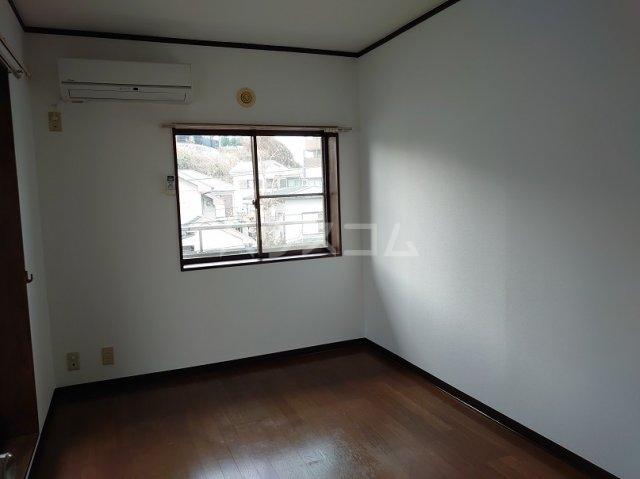 フラッツ青葉台 301号室の収納
