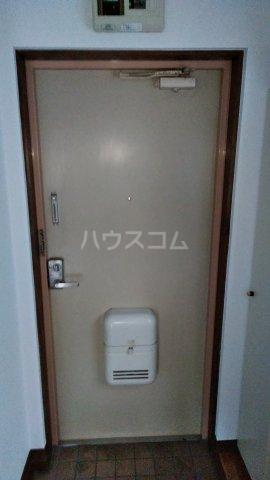 フラッツ青葉台 301号室の玄関
