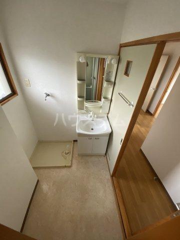 フォレスト'98 A301号室の洗面所