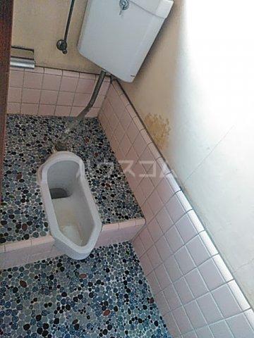 上野浦荘 201号室のトイレ
