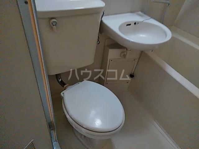 ブランニュー美しが丘 402号室のトイレ