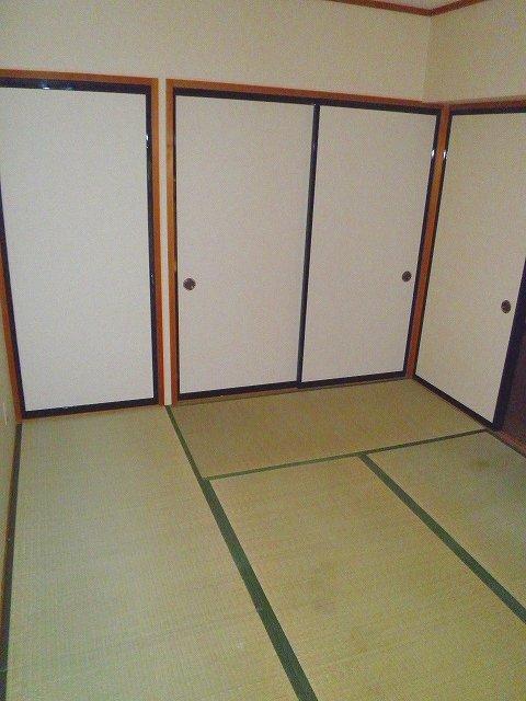 グランシャリオ 306号室の居室