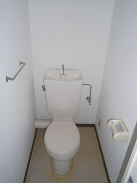ヴィラエスポワール 402号室のトイレ