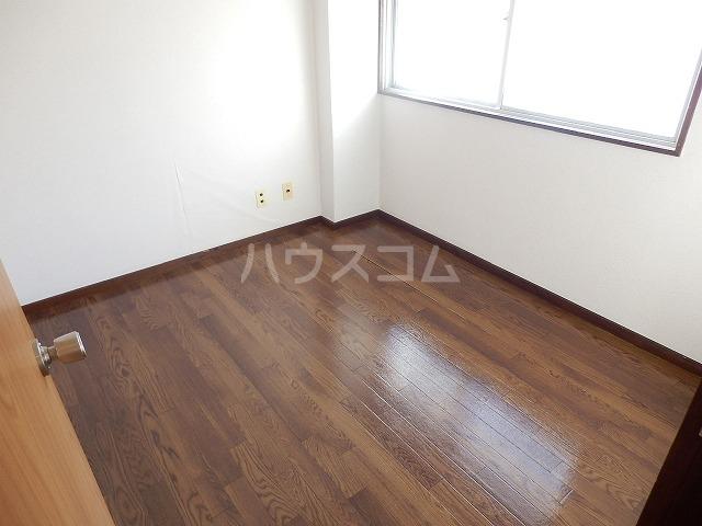 杉浦ビル 304号室の居室