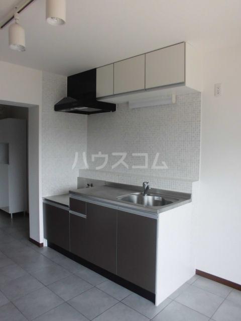 Grand Maison 葵 403号室のキッチン