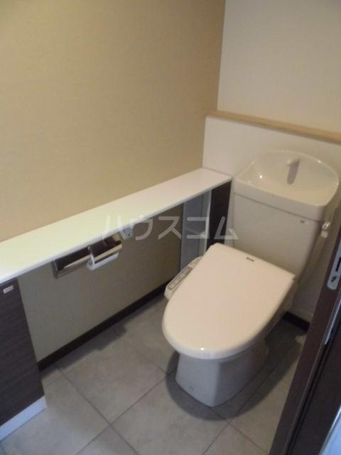 Grand Maison 葵 403号室のトイレ