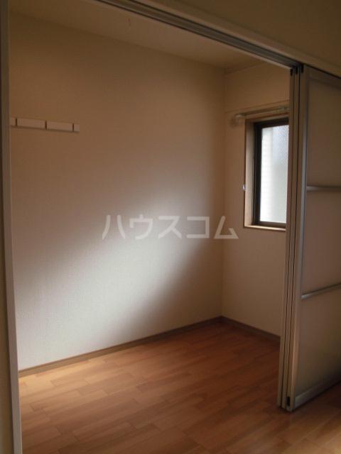 彩館 205号室の居室