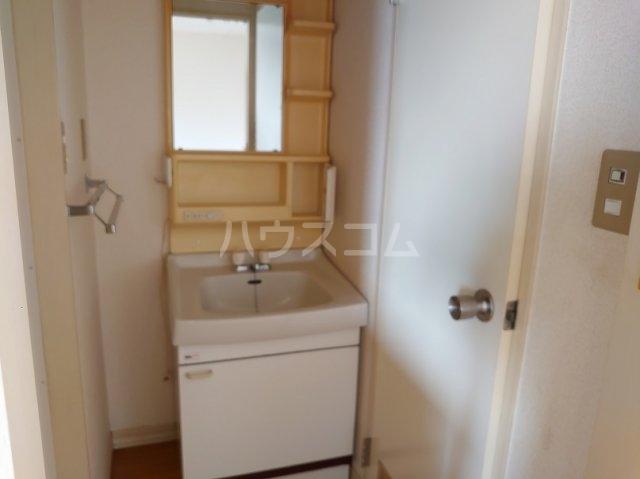 市ヶ尾森ビル六番館 205号室の洗面所