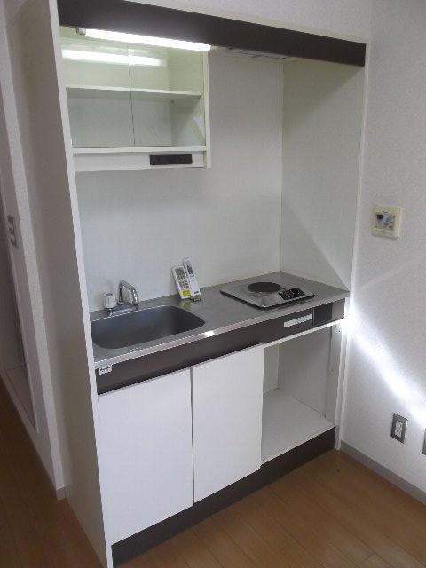 ローズガーデン銭座町 401号室のキッチン