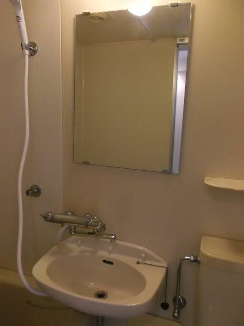 ローズガーデン銭座町 401号室の洗面所