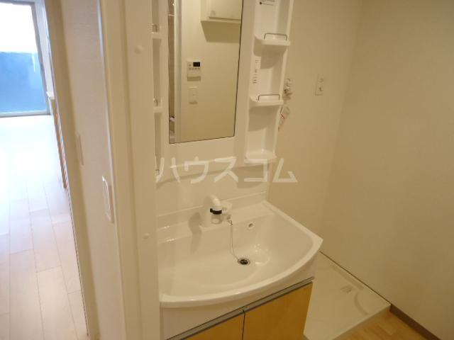 アストレア本通 603号室の洗面所