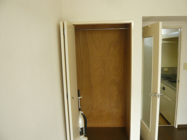 メゾンフジ 102号室の収納