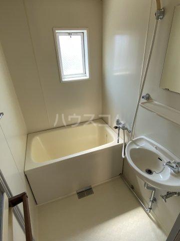 エステート沓谷 201号室の風呂