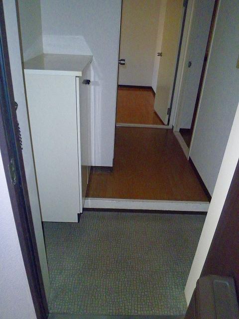 グランシャリオ 305号室の玄関