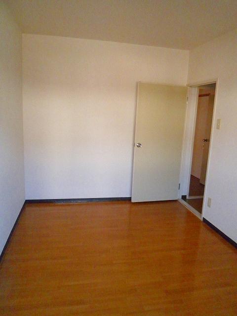 グランシャリオ 305号室のベッドルーム