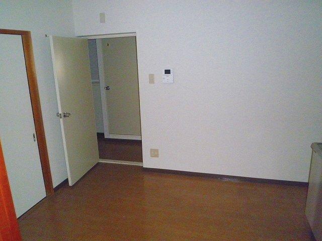グランシャリオ 305号室の居室