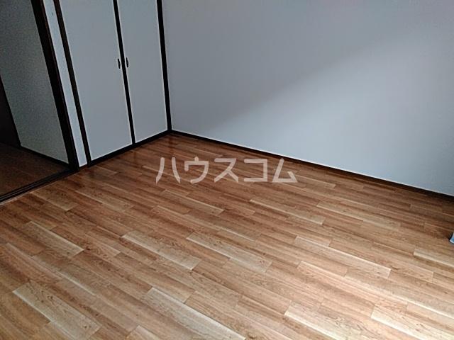 カルムⅡ 101号室のリビング