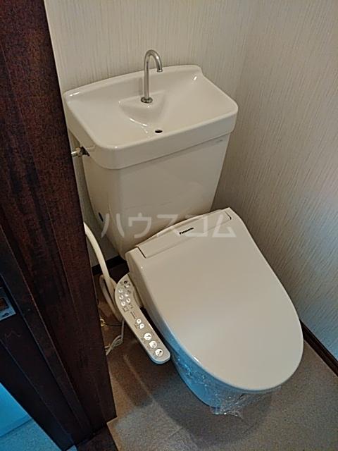 ラビットハウス 101号室のトイレ