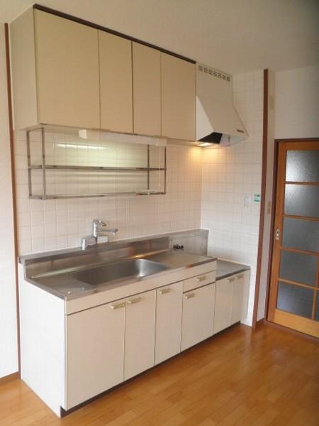 グラースHY 303号室のキッチン