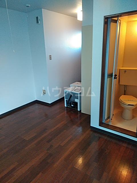 メゾンノース 101号室の居室
