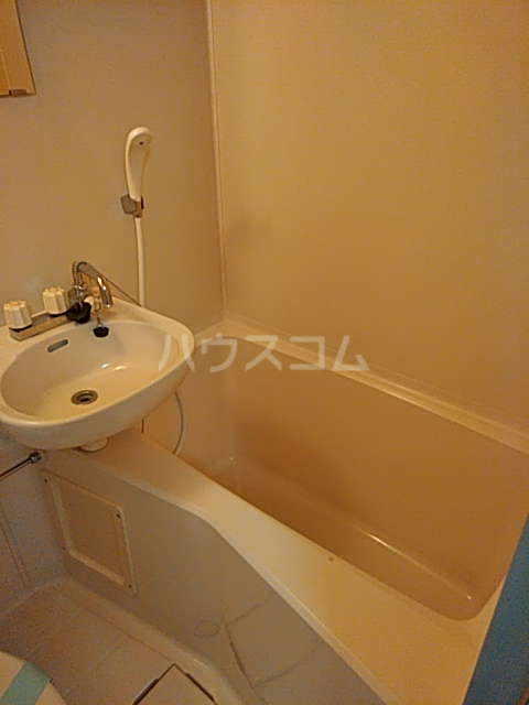 メゾンノース 101号室の風呂