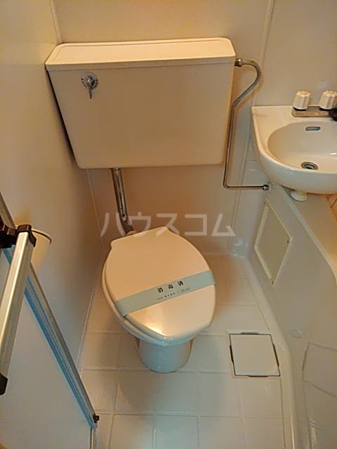 メゾンノース 101号室のトイレ