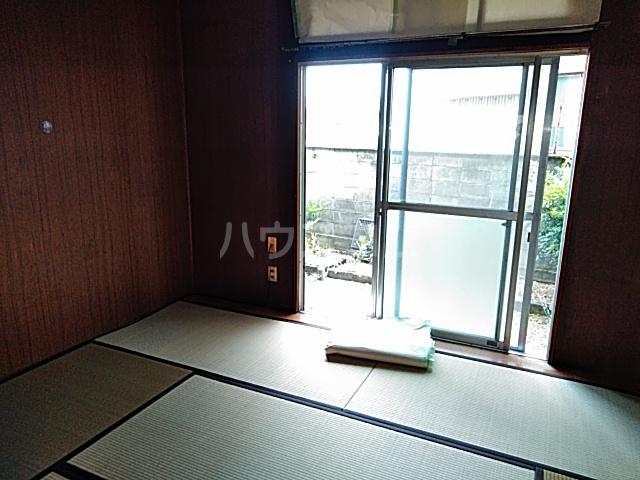 第一クヌギバシコーポ 102号室の居室