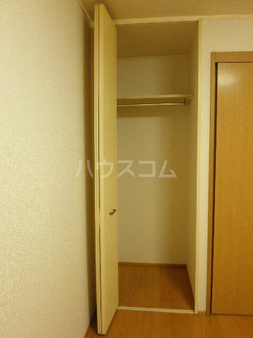 ファミーユ 102号室の収納