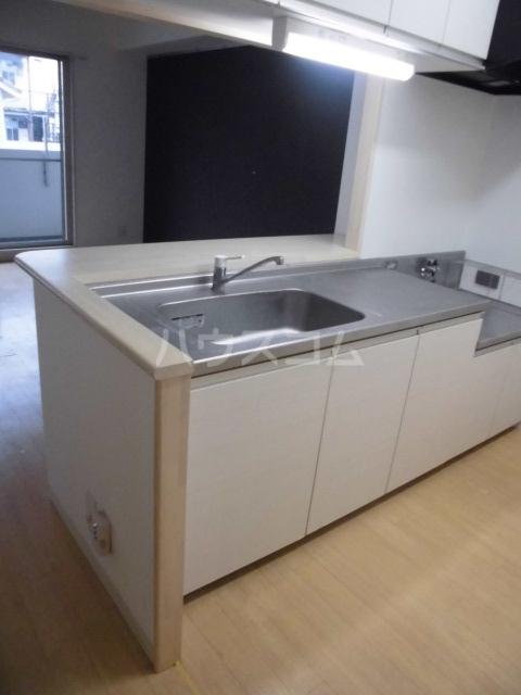 ラフェリア 102号室のキッチン