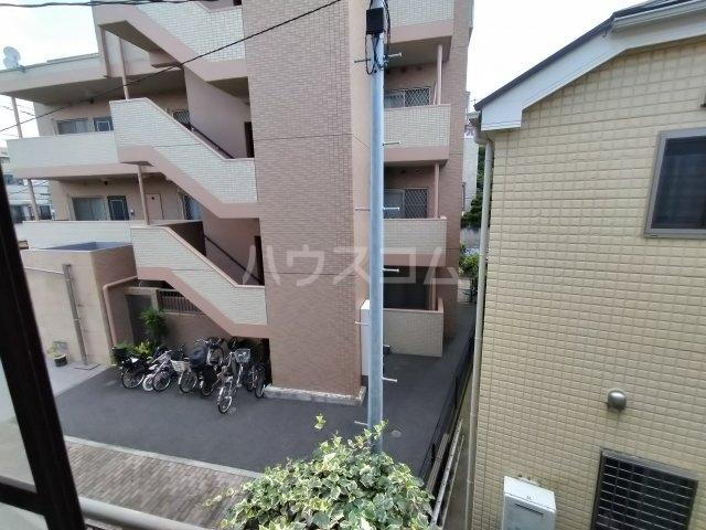 第三川端荘 201号室の庭