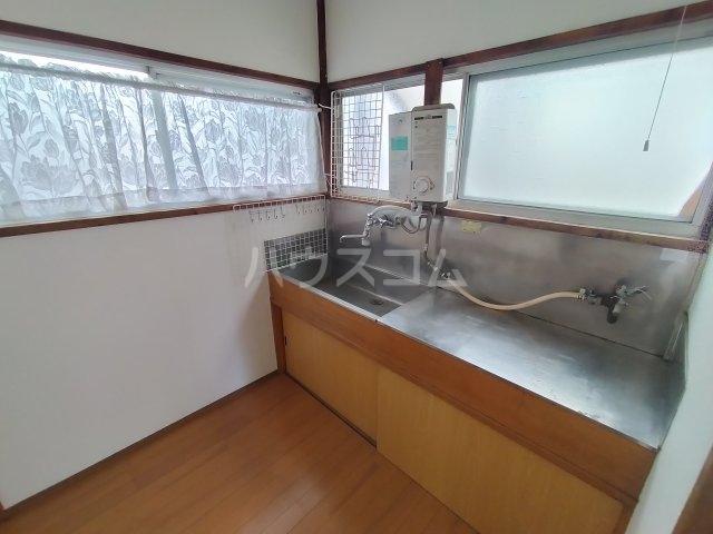 第三川端荘 201号室のキッチン