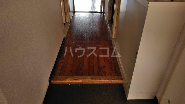 パストラル田奈 302号室の玄関