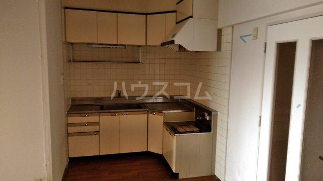 パストラル田奈 302号室のキッチン