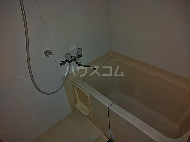 グリーンヒルズ 201号室の風呂