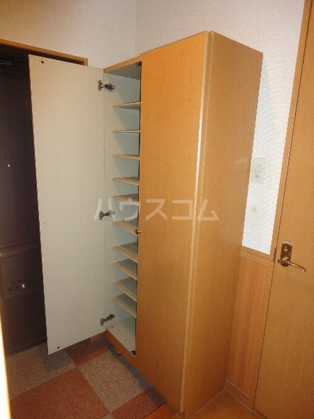 ボア ソルテ 105号室の玄関