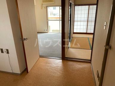マンション小池 302号室の玄関