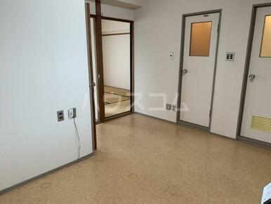 マンション小池 302号室のリビング