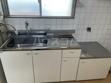 マンション小池 302号室のキッチン