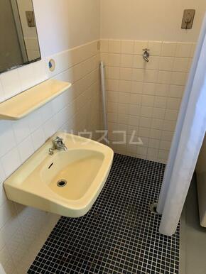マンション小池 302号室の洗面所